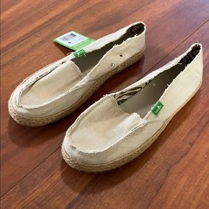 Ladies 6 Sanuk shoes loafers sandals NWT